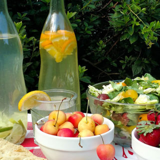 Tips for the perfect picnic with food suggestions and equipment needed
