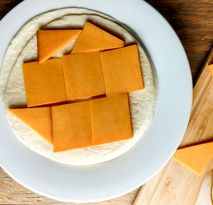 Smoked cheddar for fig and pear quesadilla