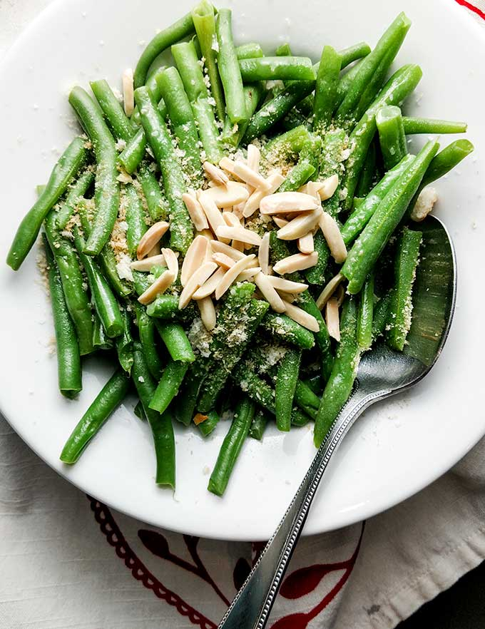 Easy Steamed Green Beans with Almonds and Panko Bread Crumbs