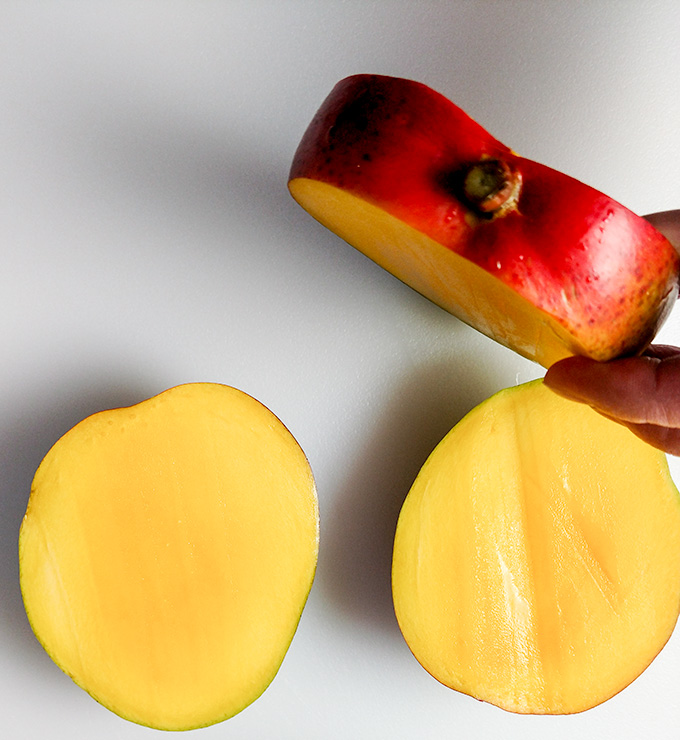 The right way to cut a mango