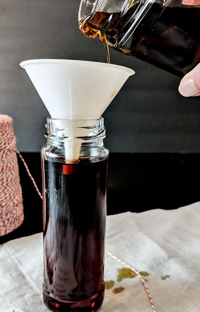 Homemade Vanilla Extract Recipe - On The Go Bites